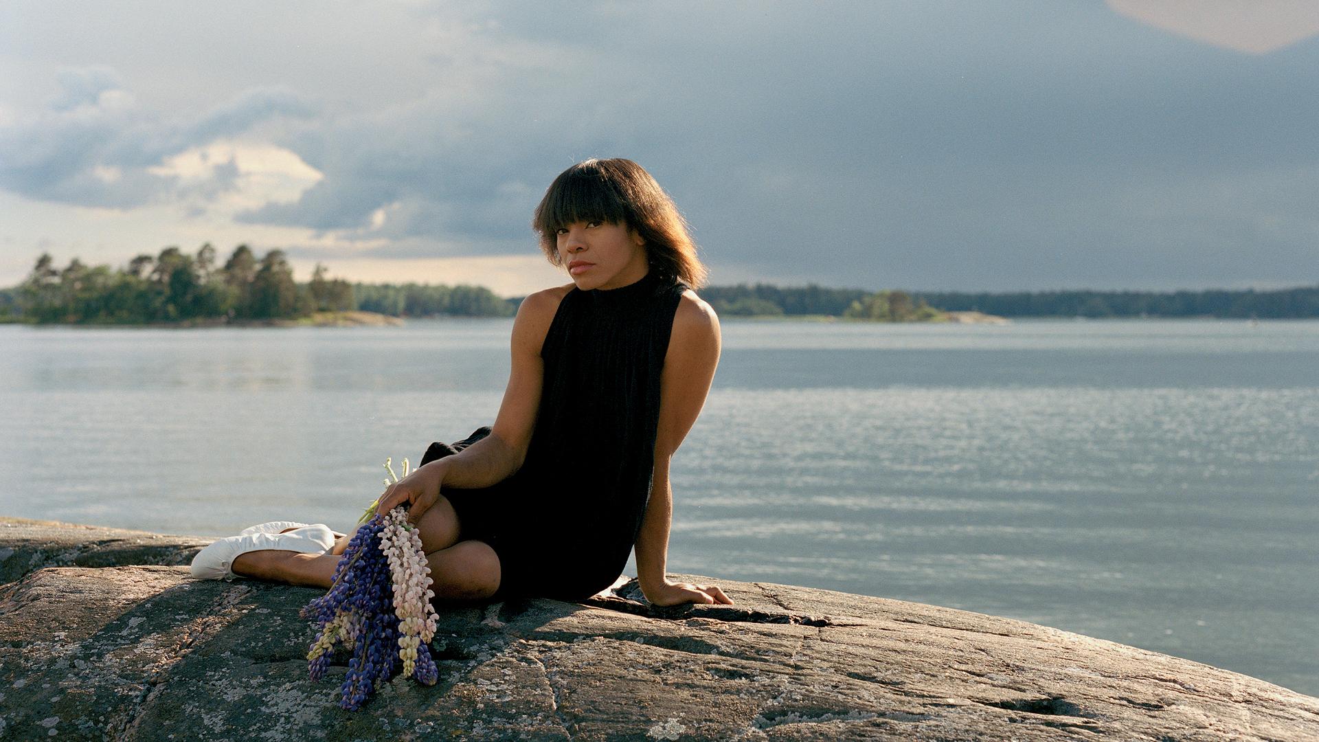 Nicole Willis, promo 03 (1920x1080)