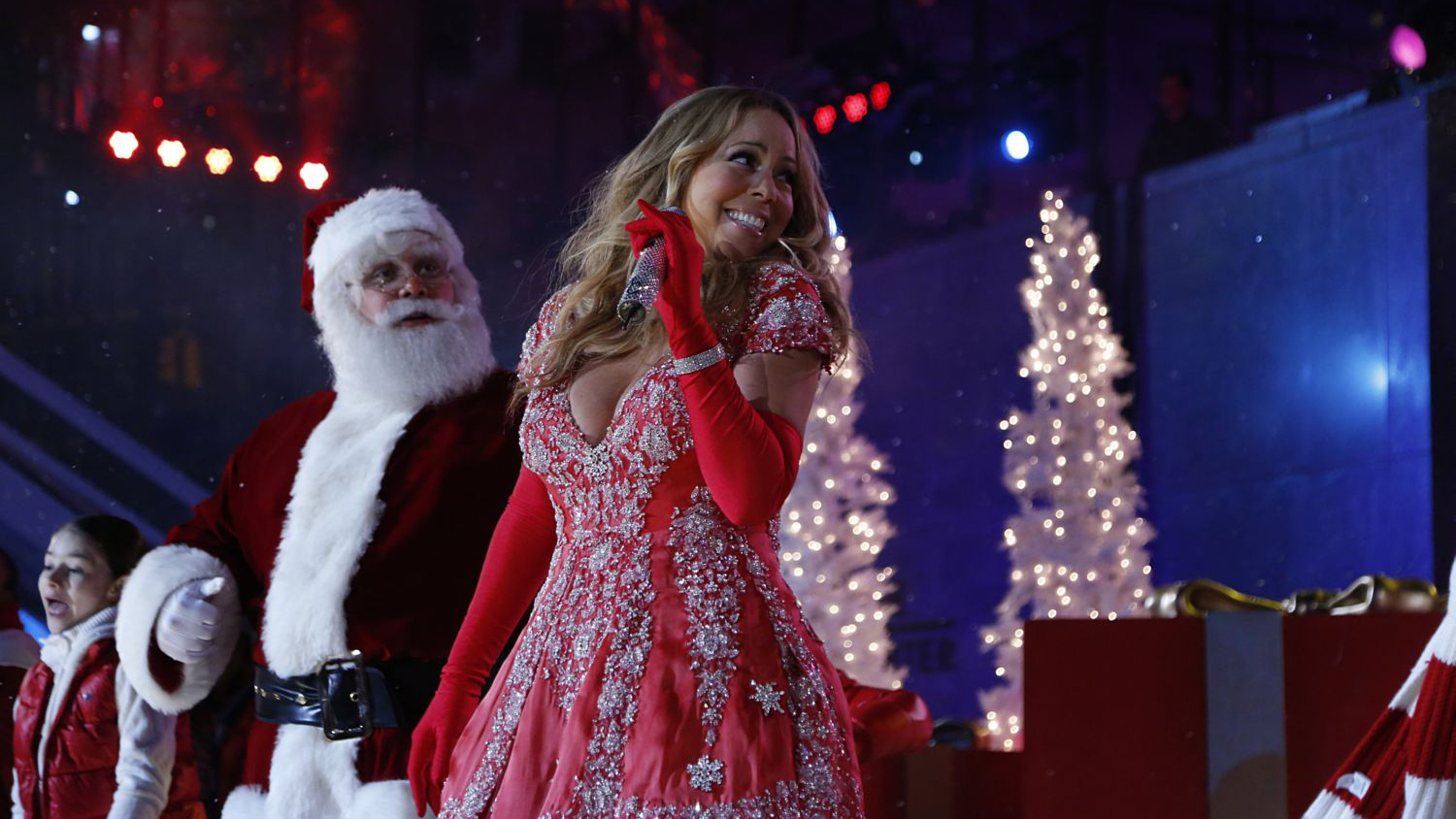 Mariah Carey - Christmas at Rockefeller Center, New York, by MariahJournal.com 034 (1500x844)